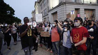 احتجاجات عارمة شهدتها مقاطعة كنوشا في ولاية وسكنسون الأمريكية