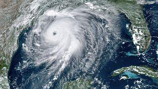 El huracán se reforzó en las aguas del Golfo de México y ha tocado tierra con categoría 4