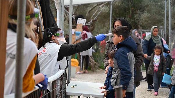 Migrantes na Grécia sem proteção contra Covid-19