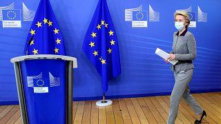 Βρυξέλλες: Η Πρόεδρος της Κομισιόν αναμένει τις προτάσεις της Ιρλανδίας μετά την παραίτηση Χόγκαν