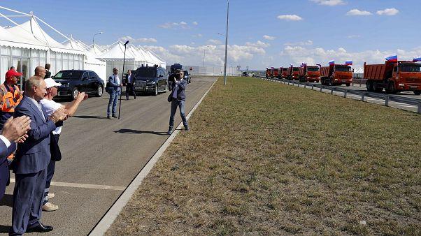 Putyin avatta fel a krími autópályát