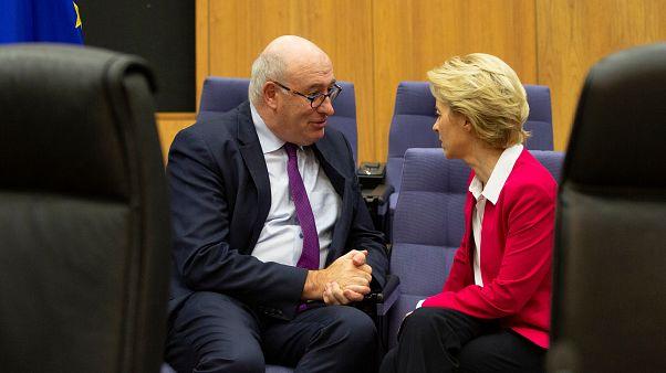 Phil Hogan ír biztos és Ursula von der Leyen bizottsági elnök 2020 január 8-án