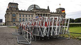 Der Streit um die Corona-Demos am Wochenende spaltet Deutschland