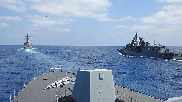 سفن حربية تركية