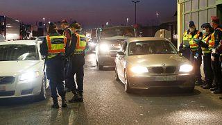 کنترل خودروها توسط پلیس در مرز مجارستان