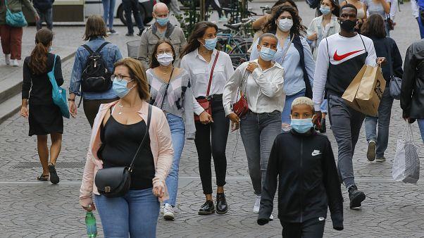 Covid-19: Über 7000 Neuinfektionen in Frankreich