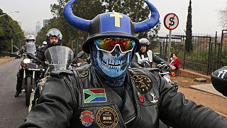 No comment: a farmergyilkosságok ellen tüntettek Dél-Afrikában