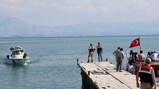 Dans l'est de la Turquie, le lac de Van engloutit les rêves des migrants