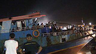 Il peschereccio approdato nella notte a Lampedusa