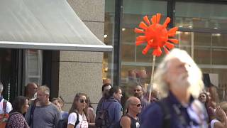 Протесты против коронавирусных мер в Берлине
