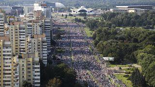 Nouvelle grande manifestation anti-Loukachenko au Bélarus