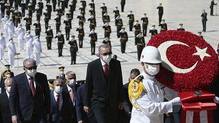 إردوغان مشاركاً في الذكرى 98 للحرب مع اليونان