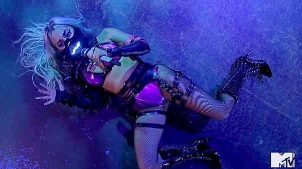 MTV Müzik Ödülleri'nde Lady Gaga'dan maske mesajı