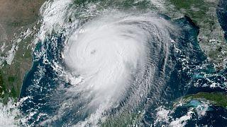 تصویر ماهوارهای از طوفان لورا
