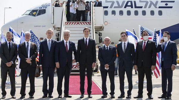 Israel y Emiratos Árabes Unidos inauguran su primera ruta aérea comercial