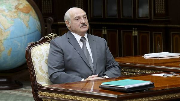 Belarus crisis: Lukashenko floats idea of referendum in bid to appease  protesters | Euronews