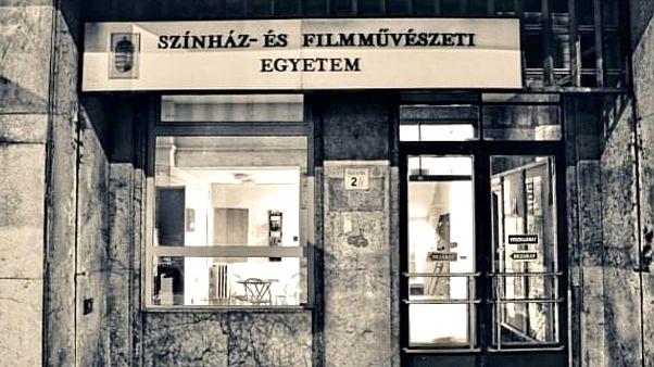 Az SZFE Vas utcai bejárata