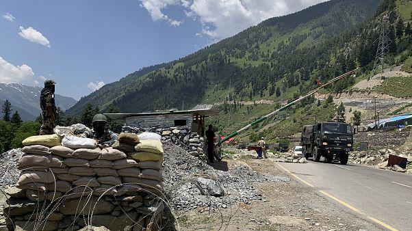 Posto de controlo do Exército indiano na região de Ladakh (arquivo)