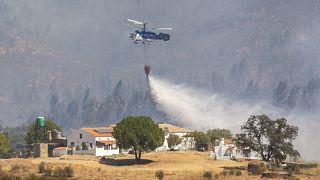 El incendio forestal comenzó en Almonaster la Real en Huelva. Foto tomada el 29 de agosto de 2020.