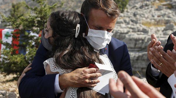 Fransa Cumhurbaşkanı Emmanuel Macron ile patlamananın kurbanlarından Tamara Tayah