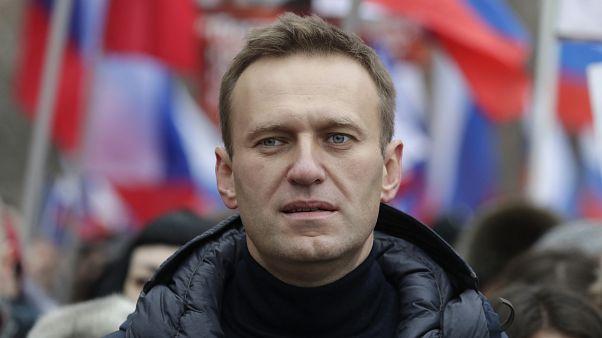 Алексею Навальному стало плохо на борту самолета 20 августа