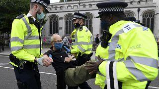 """Umweltschutzgruppe """"Extinction Rebellion"""" macht Alarm in London"""