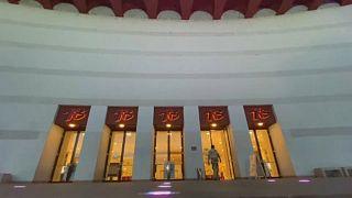 A bukaresti nemzeti színház bejárata