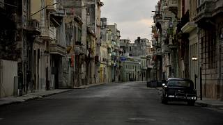 Las calles de La Habana, desiertas por el toque de queda
