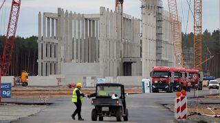 Tesla'nın Almanya'ya kurduğu elektrikli araç fabrikası
