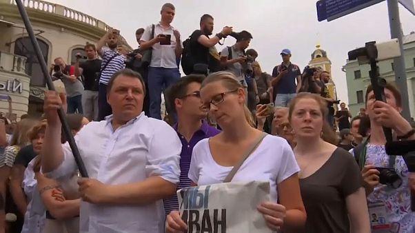 Manifestantes reclamam justiça