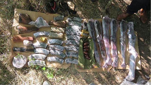 Öt automata puska, egy gépfegyver és öt aknavető volt a hatóságok által lefoglaltak között