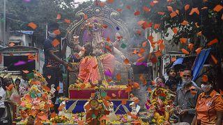 No comment: Ganésa-fesztivál Indiában