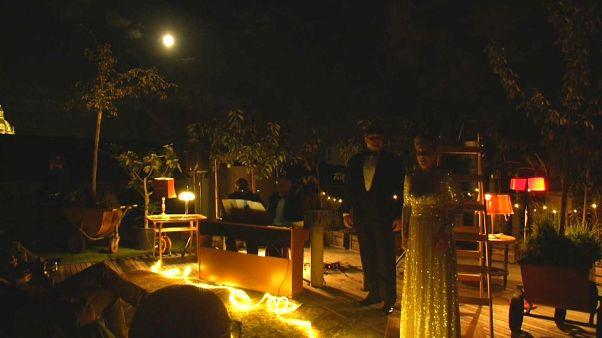 Una 'Ópera de luna llena' como alternativa cultural al coronavirus en Praga