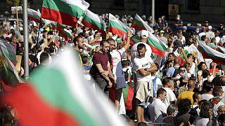 Manifestantes cercaram a Assembleia Nacional em Sófia