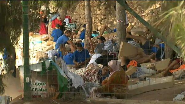 Il Centro di prima accoglienza di Lampedusa