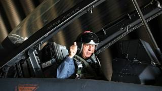 Milli Savunma Bakanı Hulusi Akar, Hava Kuvvetleri'nin yeni uçuş eğitim yılının açılışını Ege'nin kuzeyine yaptığı özel uçuşla gerçekleştirdi
