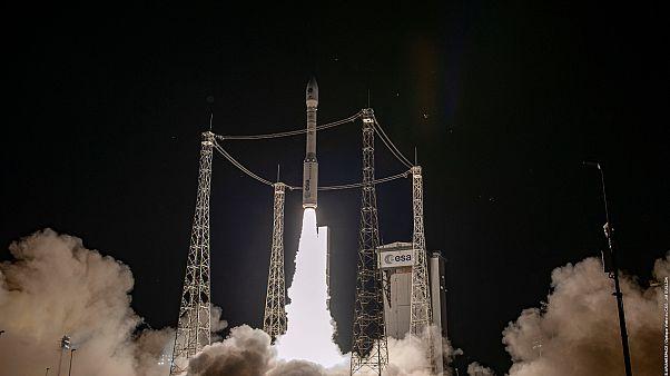 Ο πύραυλος VEGA απογειώνεται