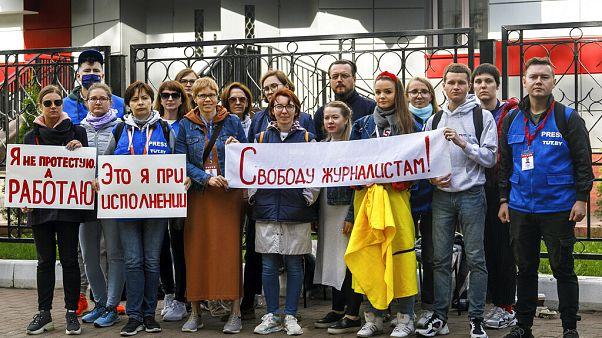 Az újságírók letartóztatása ellen tüntető riporterek, Minszk, 2020. szeptember 2.