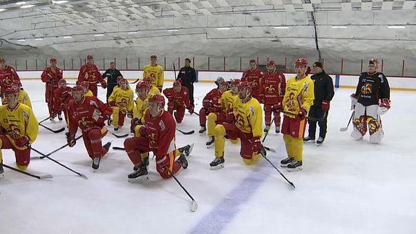 """Хоккеисты """"Йокерит"""" на тренировке."""