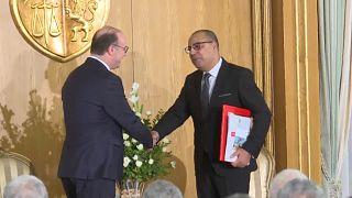 Tunisie : Passation de pouvoir entre Fakhfekh et Mechichi