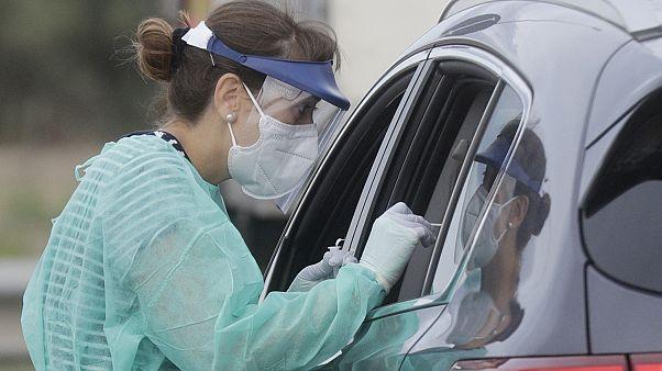 A világon már több mint 26 millióan fertőződtek meg koronavírussal