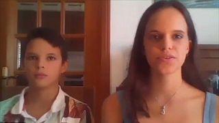 Deux des jeunes activistes climatiques portugais