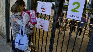 Eingang einer Schule im nordspanischen Pamplona
