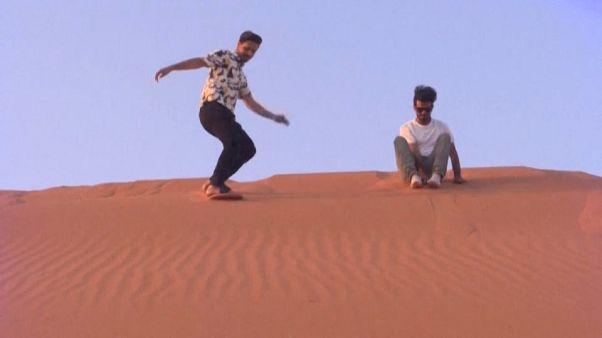Sand-Surfen in Saudi-Arabien