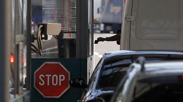 Bruselas impulsa una estrategia común para evitar el cierre de fronteras