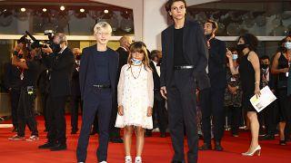"""Mattia Garaci, Lea Favino e Francesco Gheghi: sono i protagonisti di """"Padrenostro""""."""