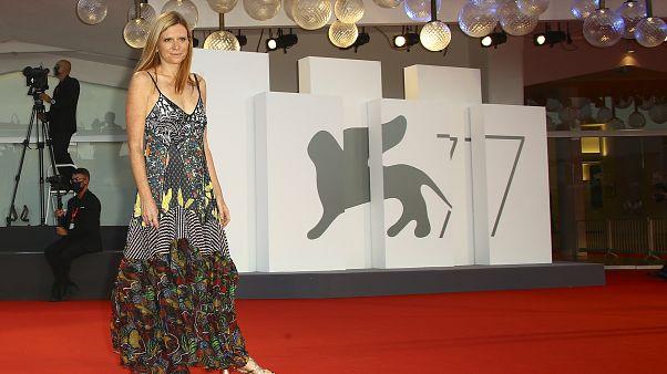 """Auf dem Teppich geblieben: """"Miss Marx""""-Regisseurin Susanna Nicchiarell in Venedig"""