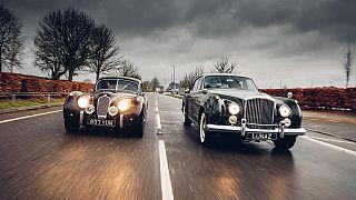 Restore edilmiş Jaguar ve Bentley marka otomobiller