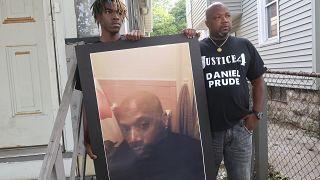 """كان برود يعاني من اضرابات نفسية قتل """"اختناقاً"""" بعد اعتقاله"""