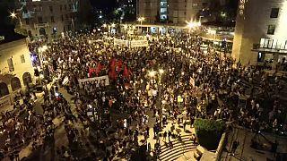 Miles de personas se manifiestan frente a la casa de Benjamin Netanyahu